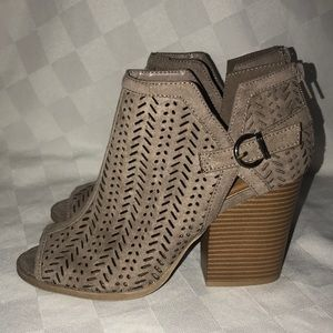New Sz 9 Qupid Taupe Peep Toe Ankle Boots Booties
